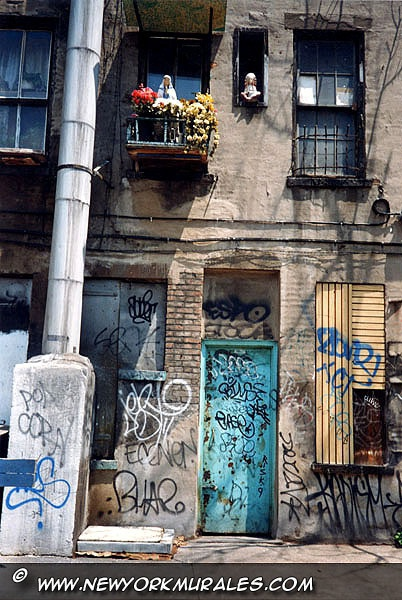 バルコニーと窓