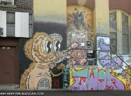 Murales on the wall. The bear is so well done to seem alive | Long Island | 5 Pointz | New York Murales